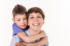 Concept de jour du ` s de mère : Mère et fils de sourire heureux Photographie stock