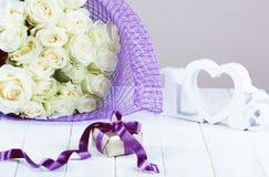 Concept de jour du ` s de Valentine avec le boîte-cadeau, Photographie stock libre de droits