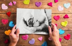 Concept de jour de pères, photo noire et blanche Projectile de studio Image stock