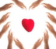 Concept de jour de santé du monde : Mains faisant une forme de coeur sur le fond blanc photo stock