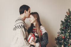 Concept de Joyeux Noël et de bonne année coup élégant de hippie Photographie stock