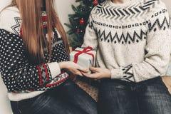Concept de Joyeux Noël et de bonne année coup élégant de hippie Photo stock