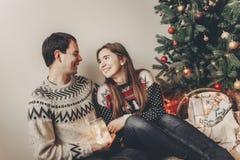 Concept de Joyeux Noël et de bonne année fami élégant de hippie Photographie stock libre de droits