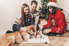 Concept de Joyeux Noël et de bonne année fami élégant de hippie Photographie stock