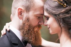 Concept de l'amour : portrait des couples heureux Photos stock
