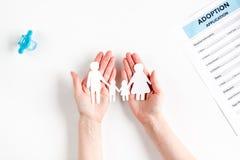 Concept de la famille avec des chiffres sur la moquerie de bureau de vue  Photographie stock