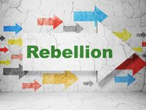 Concept de la politique : flèche avec la rébellion sur le fond grunge de mur Photo stock