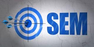 Concept de la publicité : cible et SEM sur le fond de mur Photo libre de droits