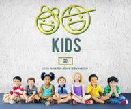 Concept de la vie de génération de progéniture d'enfants d'enfants Image libre de droits