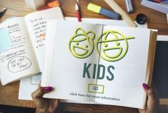 Concept de la vie de génération de progéniture d'enfants d'enfants Photo stock