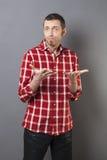 Concept de langage du corps pour l'homme 40s déçu Image libre de droits