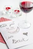 Concept de lettre d'amour de jour du ` s de Valentine sur le fond blanc Photographie stock libre de droits