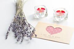 Concept de lettre d'amour de jour du ` s de Valentine sur le fond blanc Photographie stock