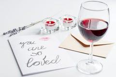 Concept de lettre d'amour de jour du ` s de Valentine sur le fond blanc Image stock