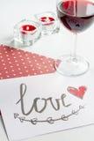 Concept de lettre d'amour de jour du ` s de Valentine sur le fond blanc Photo libre de droits