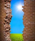 Concept de liberté de mur de Breaken Photo stock