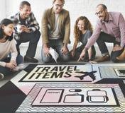 Concept de liste de préparation d'accessoires d'articles de voyage Images stock