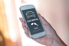 Concept de location de voiture sur un smartphone photo stock
