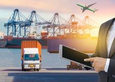 Concept de logistique d'affaires, connexion globale globale d'associé d'interface de technologie de relation d'affaires de fret d photo libre de droits