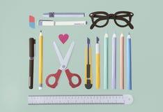 Concept de lunettes de règle de Pen Color Pencil Scissor Eraser Image libre de droits