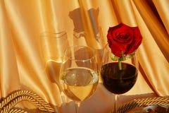 Concept de luxe d'amour Vin et Rose Image libre de droits