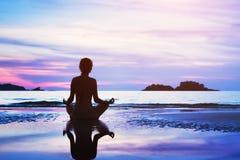 Concept de méditation, beau fond images stock