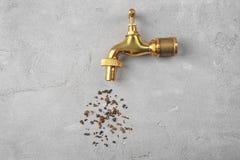 Concept de manque d'eau Tapez avec la rouille photo libre de droits