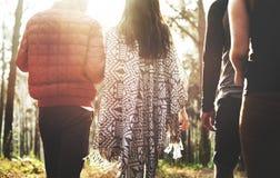 Concept de marche de randonneur de voyage de couples de camping Photo libre de droits