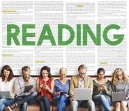 Concept de media d'éducation de livre de journal de lecture Photos stock