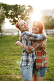 Concept de meilleurs amis, jeune femelle deux Photographie stock