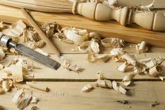 Concept de menuiserie Lieu de travail de charpentier de menuisier Outils de construction sur la table en bois avec l'espace de co Image libre de droits