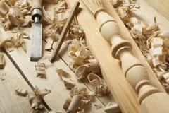 Concept de menuiserie Lieu de travail de charpentier de menuisier Outils de construction sur la table en bois avec l'espace de co Photographie stock