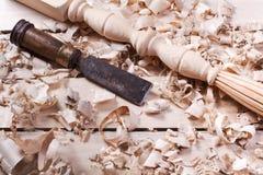Concept de menuiserie Vue supérieure de lieu de travail de charpentier de menuisier Outils de construction sur la table en bois a Photos stock
