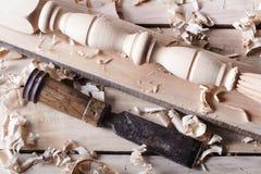 Concept de menuiserie Vue supérieure de lieu de travail de charpentier de menuisier Outils de construction sur la table en bois a Photo stock