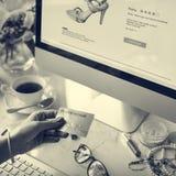 Concept de mise en réseau de connexion de Digital d'Internet d'achats Image stock