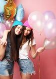 Concept de mode de vie, d'amis et de personnes : meilleur ami de filles de hippie prêt pour la partie Images libres de droits