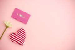 Concept de musique d'amour Rose rouge Photographie stock