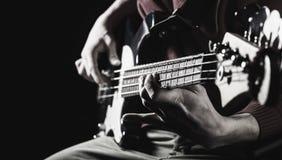 Concept de musique Guitare électrique Copiez l'espace Jouez la guitare Fond de musique en direct Festival de musique Instrument s images libres de droits