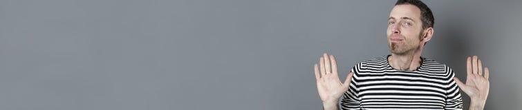Concept de négligence pour 40s l'homme irresponsable, longue bannière grise Photo stock