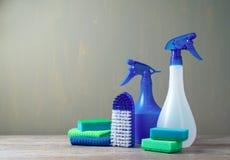 Concept de nettoyage avec des approvisionnements photo libre de droits