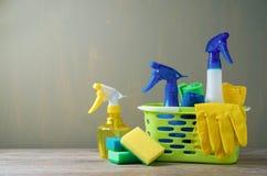 Concept de nettoyage avec des approvisionnements photographie stock