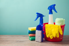 Concept de nettoyage avec des approvisionnements image libre de droits
