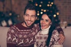 Concept de Noel Christmastime Deux négligents, insouciant, doux, charme images libres de droits
