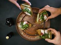 Concept de nourriture d'amis de restaurant Photographie stock libre de droits