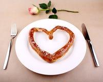 Concept de nourriture - mangeant pour l'amour Photo libre de droits