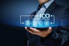 Concept de offre de technologie d'Internet d'affaires de pièce de monnaie d'initiale d'ICO Photographie stock