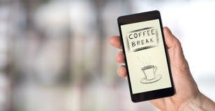 Concept de pause-café sur un smartphone image stock