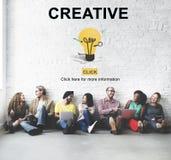 Concept de pensée d'ampoule de développement créatif d'idées Image stock