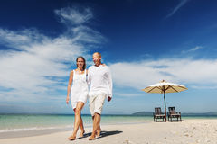 Concept de plage d'été d'unité d'amour de lune de miel de couples Images libres de droits