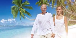 Concept de plage d'été de bonheur d'unité d'amour de couples Images libres de droits